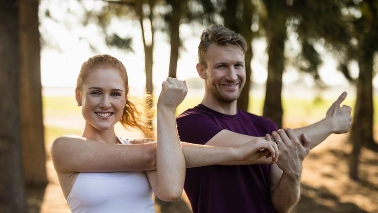 Trenirajte v paru: 15-minutni trening za celo telo, ki podaljšuje življenje (foto: Profimedia)