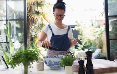 Teh 10 živil skušajte v tem tednu vsaj enkrat uvrstiti na jedilnik