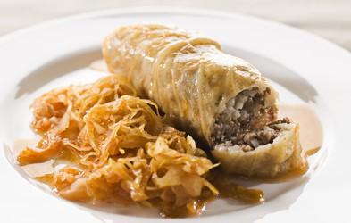 Sarma je turška jed, a smo jo vzeli zelo za svojo (imamo odličen recept!)