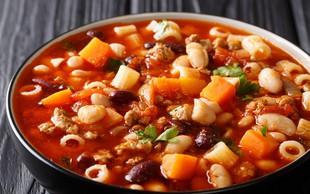 Pašta fižol - italijanska narodna jed, ki jo imamo radi tudi Slovenci (+recept gospodinje iz Napolija)