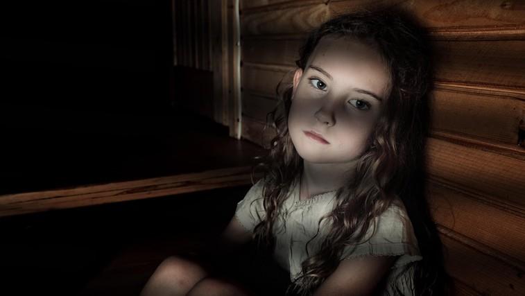 Bodo storilci spolnih zlorab otrok kmalu lahko neovirano delili posnetke zlorab? Podpišite peticijo! (foto: Profimedia)