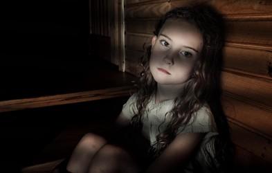 Bodo storilci spolnih zlorab otrok kmalu lahko neovirano delili posnetke zlorab? Podpišite peticijo!