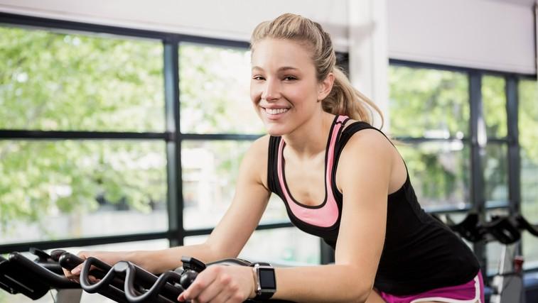 Sobno kolo je odlična izbira za vzdrževanje kondicije tudi pozimi (Video: 20-minutni intervalni trening) (foto: profimedia)