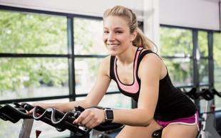 Sobno kolo je odlična izbira za vzdrževanje kondicije tudi pozimi (Video: 20-minutni intervalni trening)