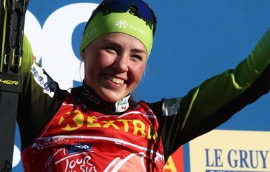 Medtem ko se fantje prepirajo v Planici, je nasmejana Anamarija Lampič osvojila 2. mesto v Davosu