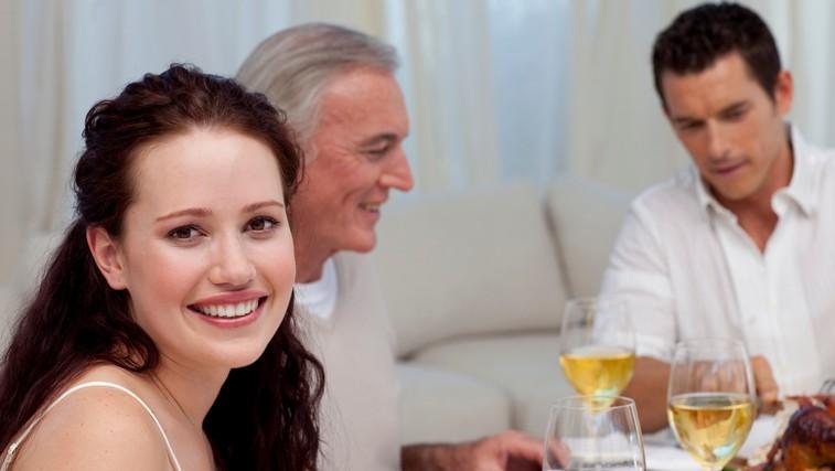Imate danes družinsko božično večerjo? NIJZ je pripravil nasvete za varno druženje (foto: profimedia)