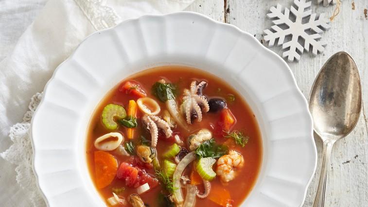 Lahko kosilo: italijanska ribja juha z belim vinom (foto: profimedia)