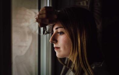 6 negativnih posledic, ki jih morda občutite, če so vas vzgojili narcisoidni starši