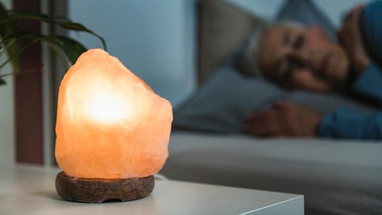 Če imate v spalnici to lučko, boste boljše spali (foto: profimedia)
