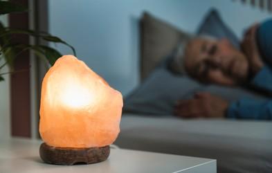 Če imate v spalnici to lučko, boste boljše spali