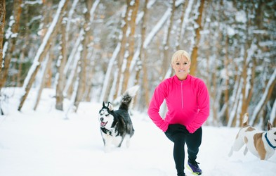 Ste se že zalepili na kavč? 5 nasvetov, kako najti motivacijo za trening na temne, zimske dni