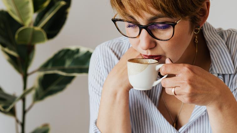 Kava na prazen želodec? To se zgodi z vašim telesom! (foto: Karolina Grabowska | Pexels)
