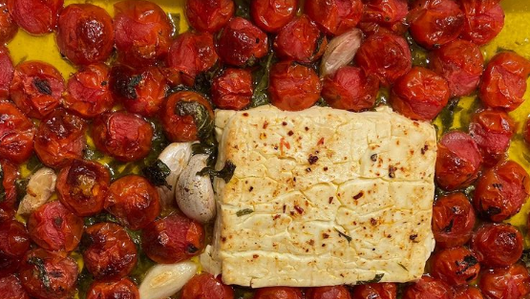 Instagram kuharski hit: testenine z omako iz pečenih paradižnikov in feta sira (odlično in enostavno!) (foto: Instagram)