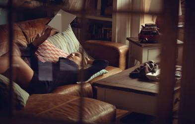 Večeri brez televizije: 5 (po našem mnenju najboljših) klasičnih romanov, ki jih morate prebrati (katerega bi še dodali?)