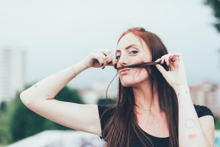 KAKO STRES ŠKODUJE LASEM? Izpadanje las zaradi stresa je zdravstveno stanje, med katerim pride do sprememb ravni hormonov. To cikel …