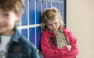 """Izpoved Slovenke: """"Če se iz šole nisem vrnila do enih, zame ni bilo kosila."""""""