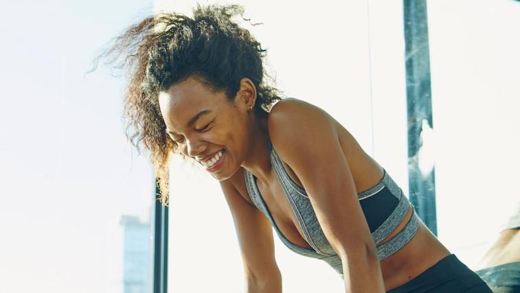 Ja tudi TO štejemo kot vadbo! (za vse generacije in samo 1 pripomoček, ki ga že imate) (foto: profimedia)