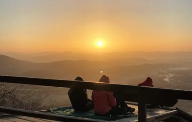 5 razlogov, zakaj je vredno ujeti sončni vzhod na Šmarni gori