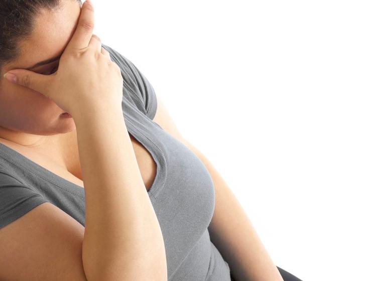 Govorimo seveda o stresu. V nadaljevanju preverite 7 načinov, kako stres vpliva na vašo težo: STRES VPLIVA NA LAKOTO – …