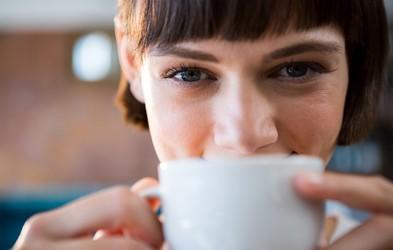 Če hujšate, potem bi si morali skodelico kave privoščiti ob tem času