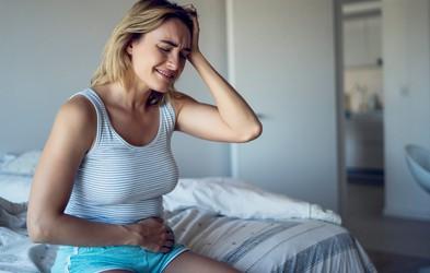 3 triki s katerimi umirite napihnjenost čez noč! (in noben ne vzame več kot 3 minute)
