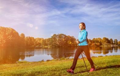 Hoja in hujšanje: Lahko 30 minut hoje ob točno določenem času pomaga pokuriti več maščob? To pravi strokovnjak ...