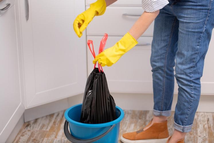 Bailey Carson, ki se ukvarja s profesionalnim čiščenjem, je razkrila tri pripomočke v domu, ki jih večina ljudi ne čisti …