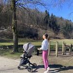 Vadba za novopečene mamice, ki jo lahko opravite med sprehodom z vozičkom (pripravila osebna trenerka) (foto: Tjaša (Aktivni z mano))