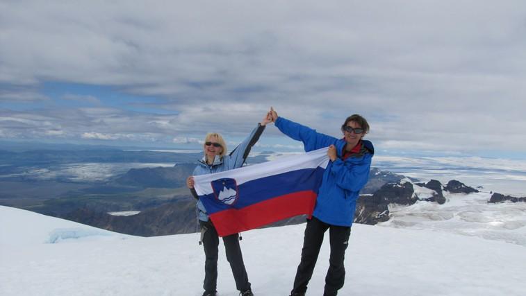 Zakonca Drab sta osvojila 46 vrhov Evrope, poti in dogodivščine pa zapisala v vodnik (foto: Arhiv Drab)