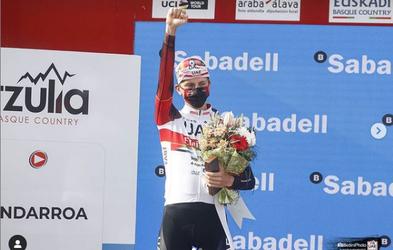 Super zvezdnik Pogačar zmagal enodnevno klasiko Liège−Bastogne−Liège. »Živim kolesarske sanje!«