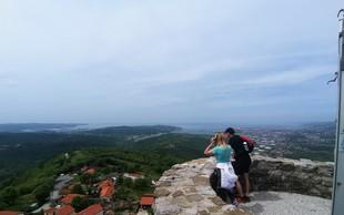 Grad Socerb s čudovitim razgledom na morje in Sveta jama, v kateri je edina podzemna cerkev v Sloveniji