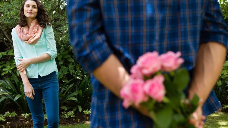 """""""Kako sem se zaljubil vate"""" (zapis moškega od prvega pozdrava do zaljubljenosti) (foto: Profimedia)"""