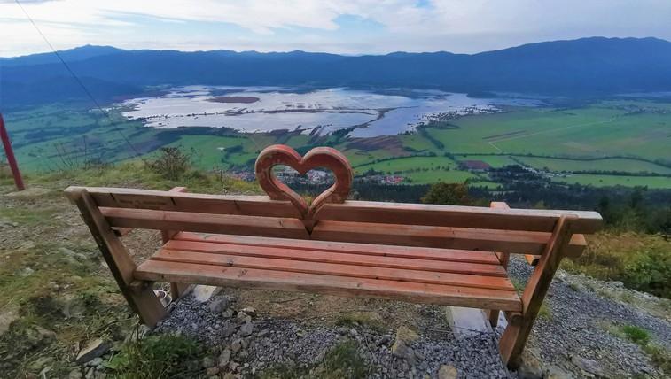 Klopce ljubezni po Sloveniji: ste jih že odkrili? Dodajamo zemljevid in nekaj najbolj priljubljenih!  #klopcaljubezni  #benchoflove (foto: DDD)
