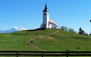 Križna gora in cerkev sv. Križa nad Škofjo Loko (680 m)