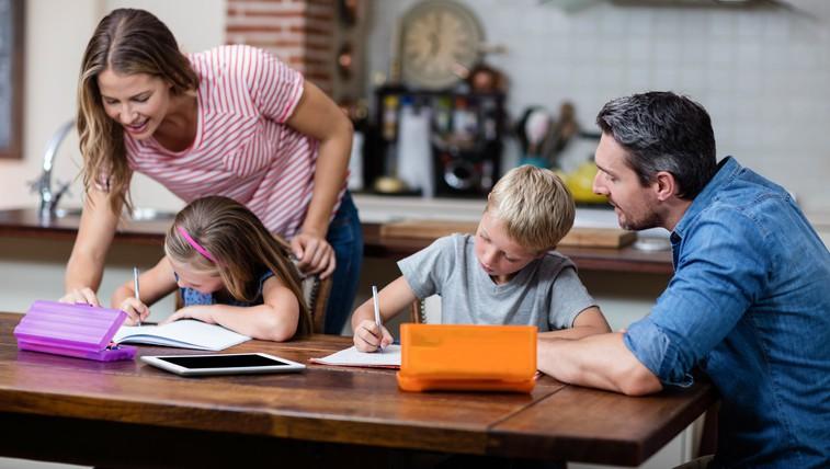 Te 4 stvari morajo starši nehati početi za svoje otroke, preden dopolnijo 13 let (foto: profimedia)
