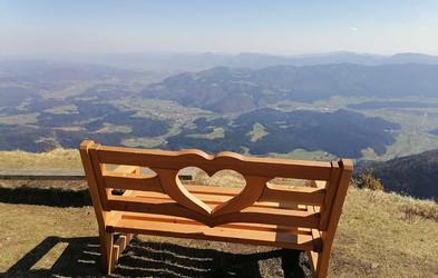 Našli ste jih! Klopce ljubezni z najbolj spektakularnimi razgledi, ki so jih obiskali naši bralci (FOTO)