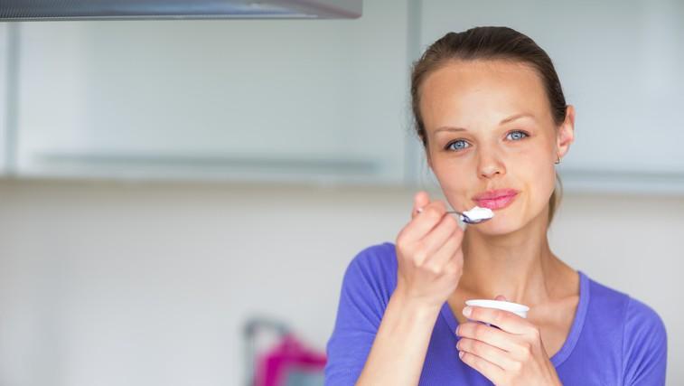 Ste že slišali za jogurtovo dieto? Toliko jogurta bi glede na jedilnik morali pojesti VSAK DAN (foto: profimedia)