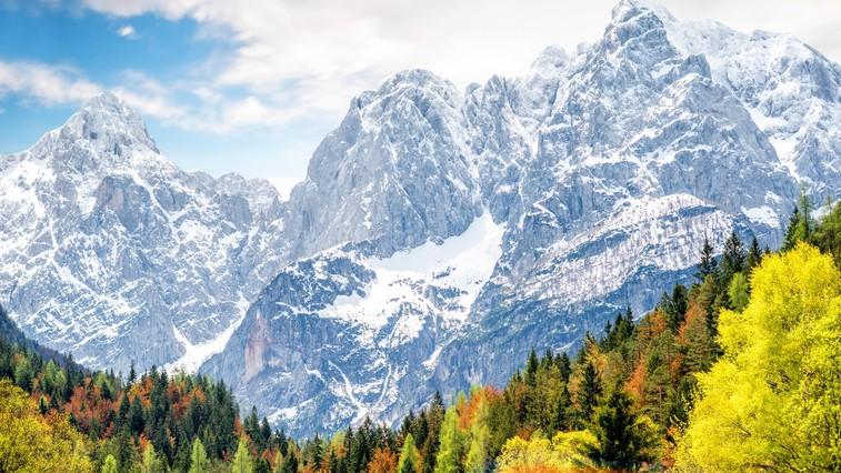 V visokogorju je še veliko snega, zato skrbno izberite cilj! Tu so osnovni napotki, ki jih morate upoštevati (foto: Profimedia)