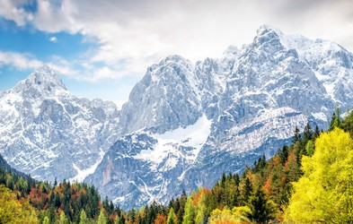 V visokogorju je še veliko snega, zato skrbno izberite cilj! Tu so osnovni napotki, ki jih morate upoštevati