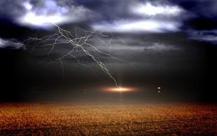 5 stvari, ki jih lahko naredimo, ko se v nevihti znajdemo v dosegu strel