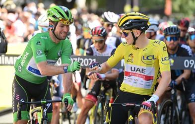 Tadej Pogačar in Mark Cavendish, zvezdnika letošnjega Toura, po nogometno zamenjala majici