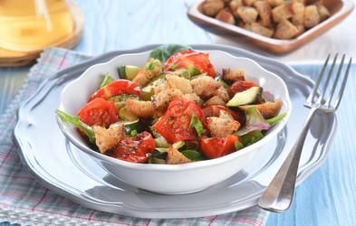 Najboljša poletna solata - Panzanella iz Toskane