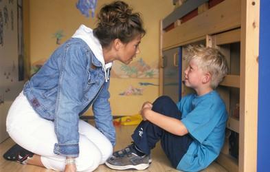 To so stavki, ki jih ne bi smeli nikoli izreči otroku – in razlogi, zakaj