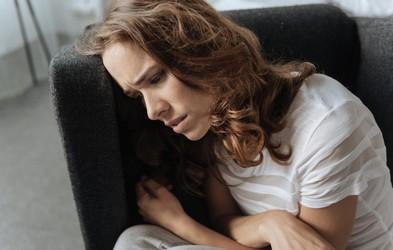 5 znakov, da stres zaradi službe vpliva na kvaliteto vašega življenja (in morate NUJNO ukrepati)