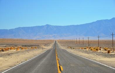 Kakšen je v resnici občutek pri 50+ stopinjah Celzija? TAKO so svojo izkušnjo opisali obiskovalci in prebivalci Doline smrti, enega najbolj vročih krajev na zemlji