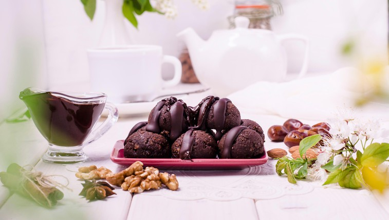 Slastna malica za na izlet: bananine čokoladne proteinske kroglice (foto: Profimedia)