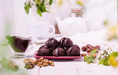 Slastna malica za na izlet: bananine čokoladne proteinske kroglice