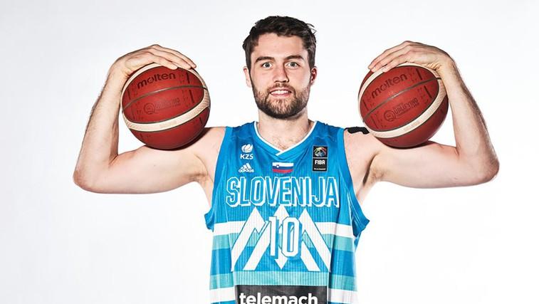 Veste, zakaj ima košarkarski reprezentant Mike Tobey, Miha po domače, številko 10 na svojem dresu? (foto: Arhiv KZS)
