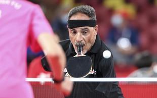 Igralec namiznega tenisa, ki nima rok, fasciniral na paralimpijskih igrah