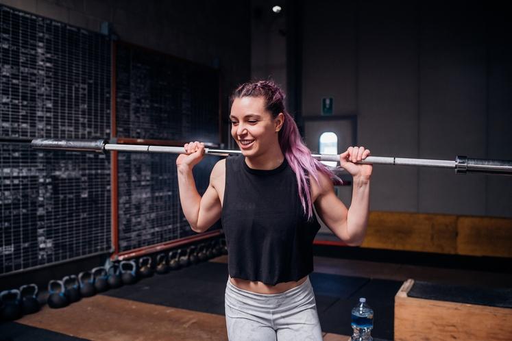 NA NOVO ZASTAVITE CILJE IN STOPNJUJTE VADBO Tudi če telovadite redno, napredek ni samoumeven. Ne smete obtičati na isti točki …